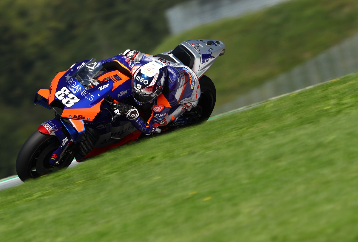 Oliveira Snatches First Ever Tech 3 Victory With Thrilling Final Corner Styrian Gp Pass Motorsport Week