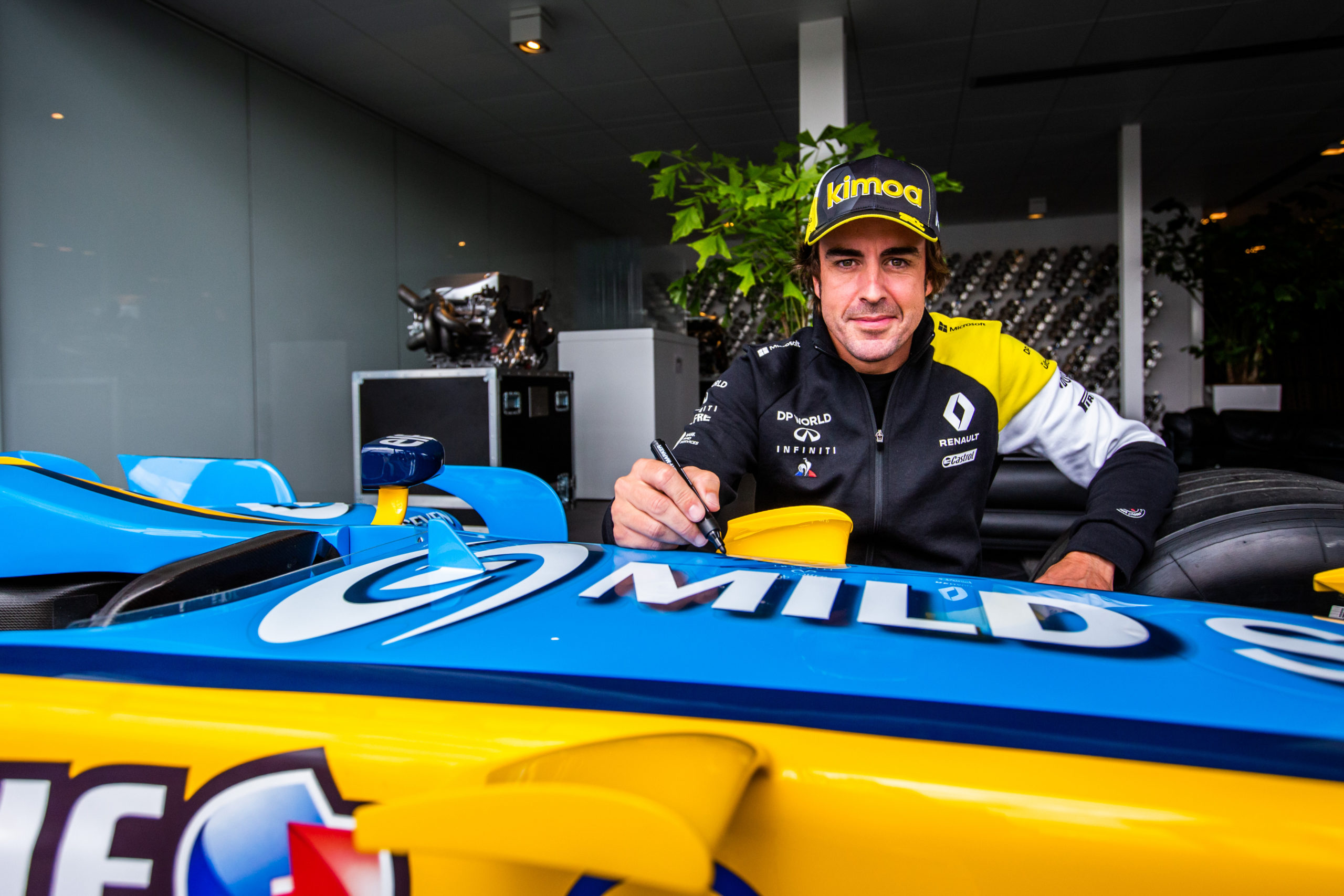 Alonso reflects on 'first day at school' with Renault