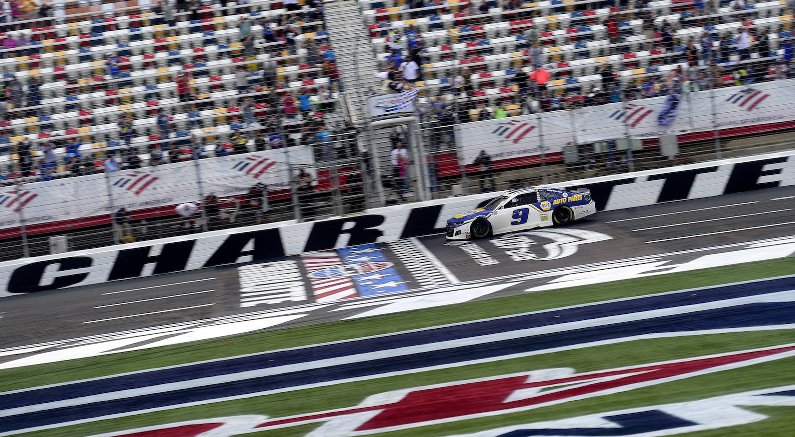 Four-in-a-row: Chase Elliott wins at Charlotte