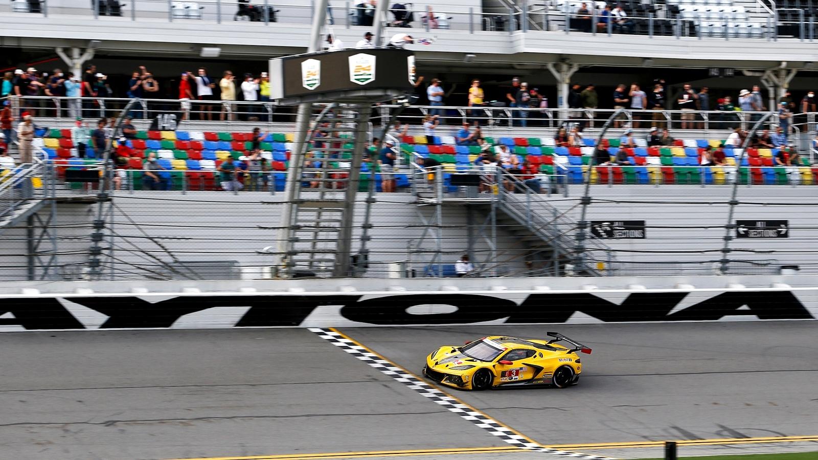 Rossi joins winning team at Rolex 24 at Daytona