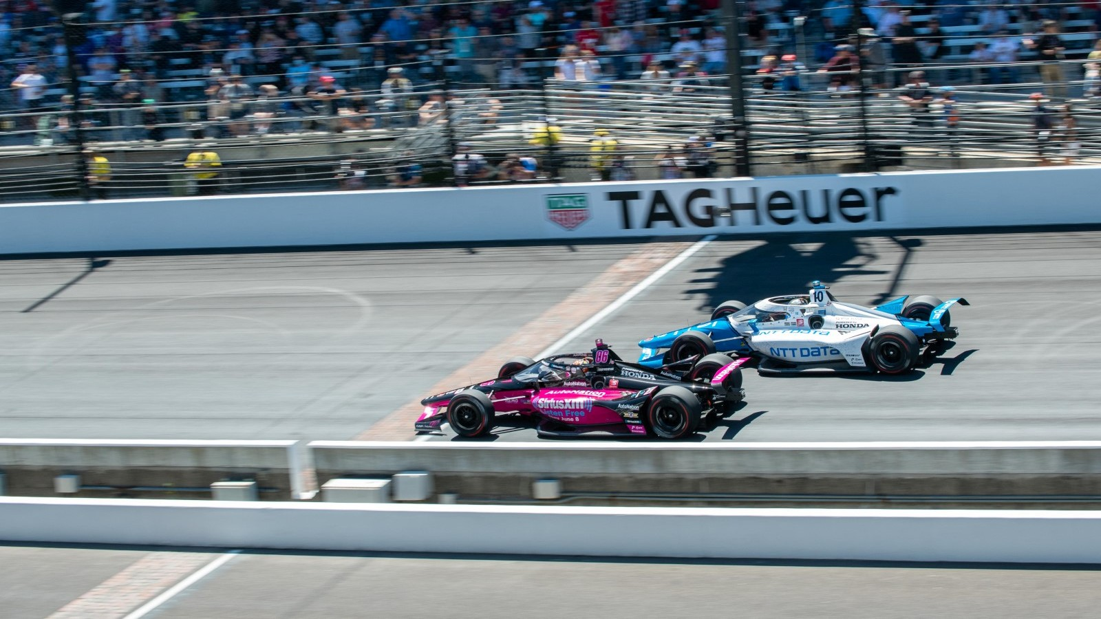 Palou unsure if he was beaten by Castroneves' speed or experience –  Motorsport Week