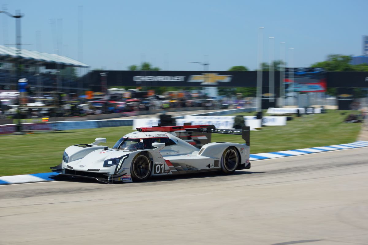The Ganassi DPi drives into the opening turn of the Detroit Grand Prix circuit