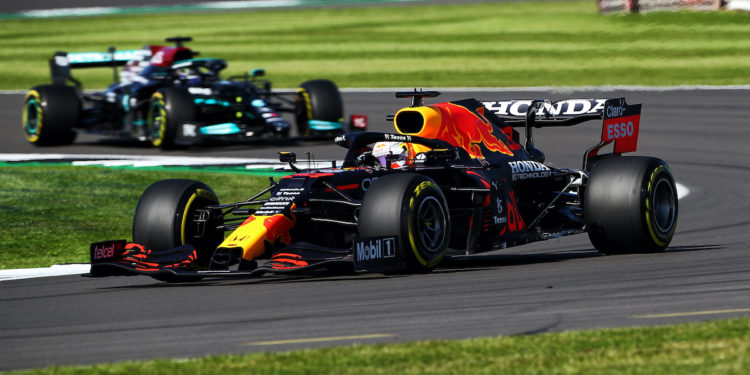 Max Verstappen leads Lewis Hamilton during the F1 Sprint event